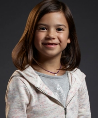 Trixie (la fille de Chloé) - Scarlett Estevez - ( Daddy's home)